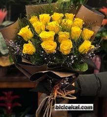 17 Adet Sarı Gül Buketi